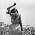 NYC16133 USA. California. 1968. Venice Beach Rock Festival. Credit: Dennis Stock/Magnum Photos