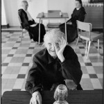 Martine Franck - Old people's home, Ivry sur Seine, 1975 © Martine Franck
