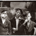 "Lewis Hine - St. Louis ""Newsies, 1910 © Lewis Hine/ George Eastman House"