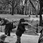 Dennis Van Patten - Kids at the Park making ballons - HP5 PLUS - New York City