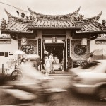Kingston Chan - Tourist Temple - Ilford SFX200 - Malacca, Malaysia
