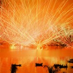 Nguyen Ngoc Son - The Emotions of the River - Fujichrome Velvia 50 - International Fireworks Competition, Da Nang, Vietnam