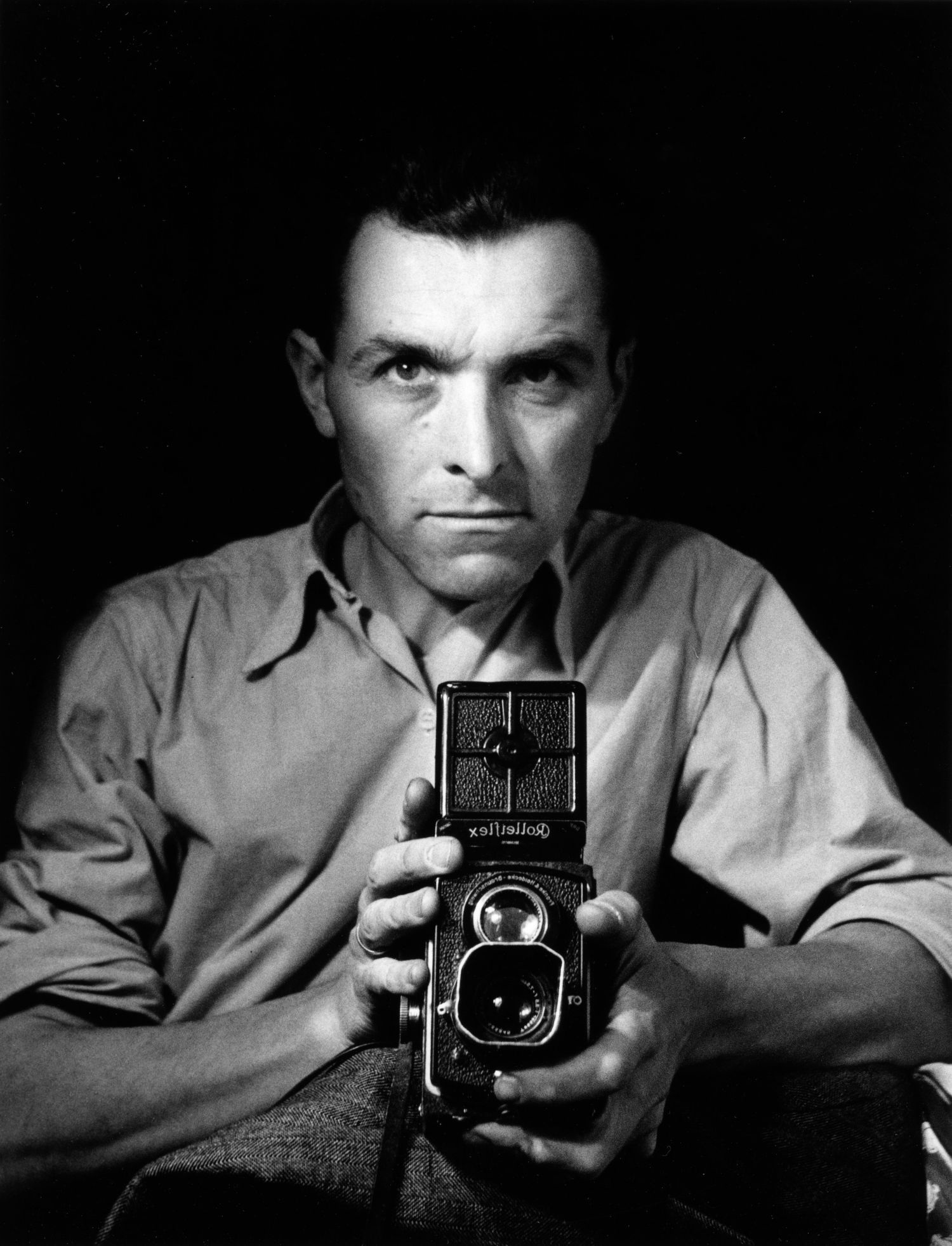robert doisneau one of the greatest As sensitive to human suffering as to the simple pleasures of life, robert doisneau is one of the most celebrated exponents of the photographie humaniste that swept.