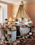 Tim Walker - Self-portrait with 80 cakes, Eglingham Hall, Northumberland, 2008 - © Tim Walker