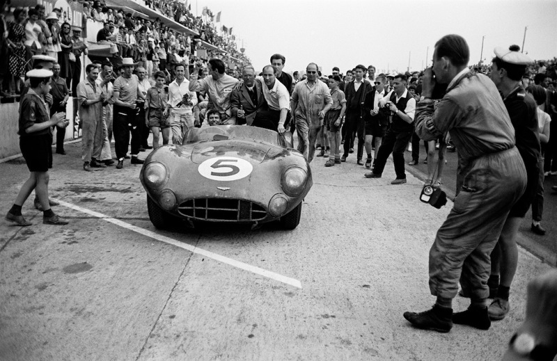 Aston Martin Victory, Shelby, Moss and David Brown, Le Mans, 1959 Jesse Alexander ©Jesse Alexander / Chris Beetles Fine Photographs
