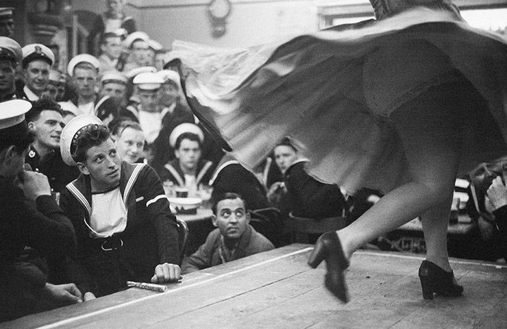 Bert Hardy. Spanish Dancer 1954 © Bert Hardy/Getty Images