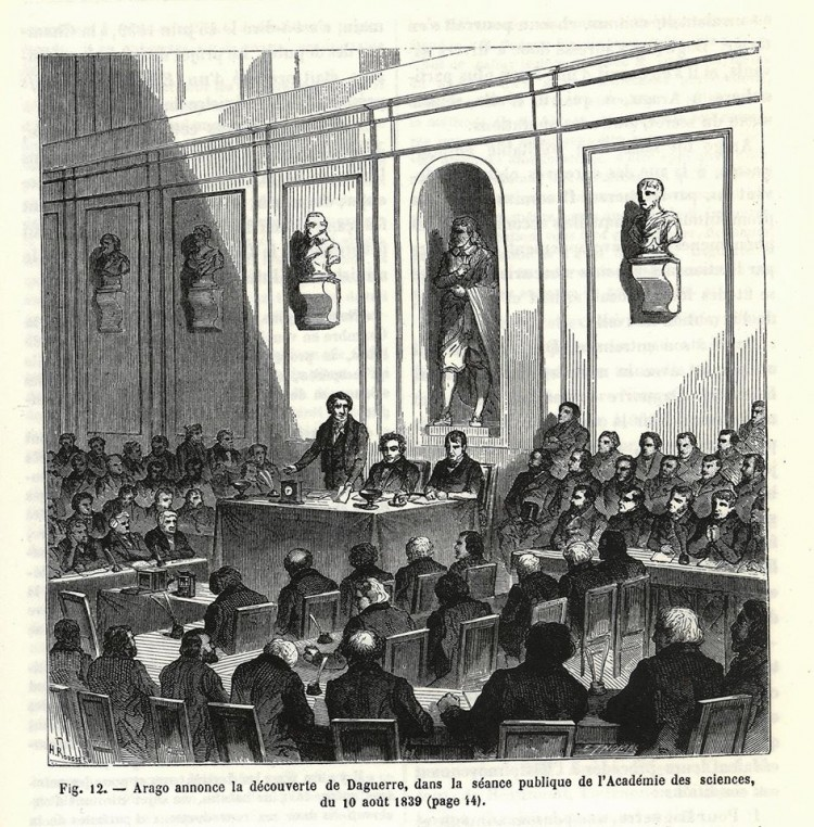 Arago announces the discovery of Daguerre