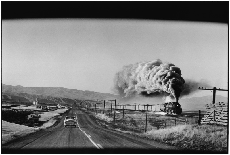 Steam Train Press, Wyoming, 1954 © Elliott Erwitt / Magnum. Image courtesy of Beetles+Huxley