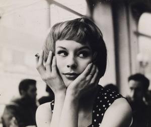John Deakin, Girl in Café, late 1950s © The John Deakin Archive/ The Photographer's Gallery  01_PressImage-l-John-Deakin-Girl-in-Cafe-unknown-dateP-300x253